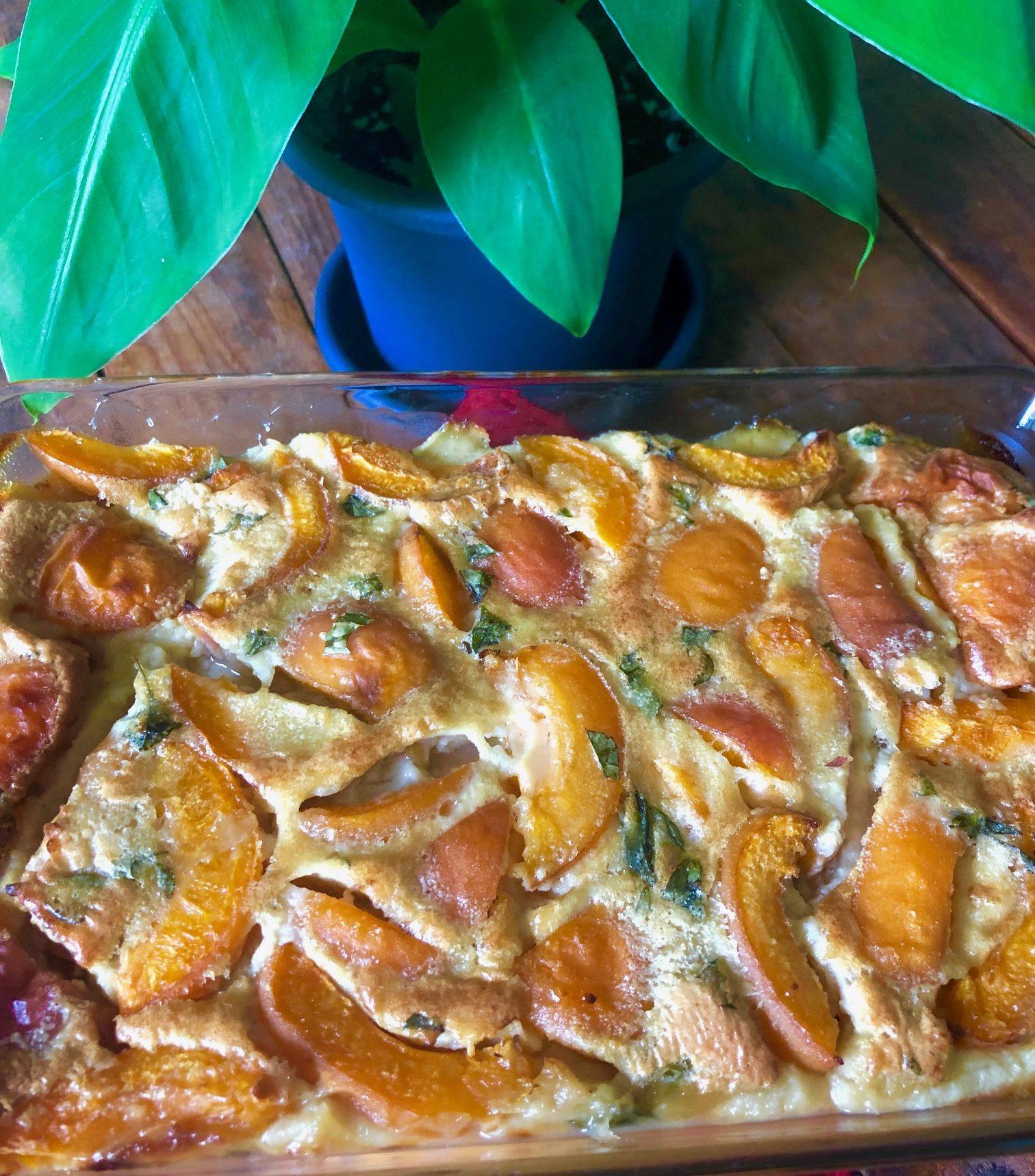 Clafoutis aux abricots et basilic au lait d'amande